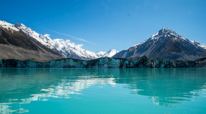 Hiking the blue lakes and Tasman Glacier Track